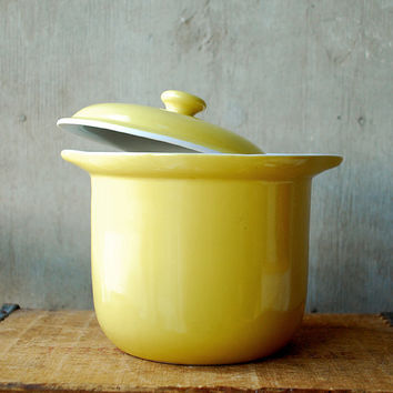Hall Pottery Yellow Crock with Lid Yellow and White Eames by vint