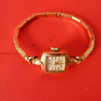 Vintage Longines gold toned ladies watch small face expandable band ticks
