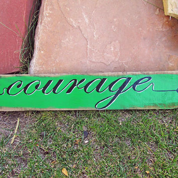 Rustic Wooden Arrow Wall Sign Decor, Inspirational Signs Sayings, Courage Quote