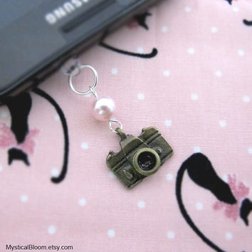 Smile. Cheeze. Camera with Pink Swarovski Pearl iPhone Dust Cap. Dust Plug. iPod iPad Galaxy S2 S3 S4. Deco Plug Charm. Headphone Jack. Gift