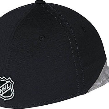 Mens Chicago Blackhawks Reebok Black Center Ice Structured Flex Hat (XL/XXL)