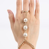The Great Gatsby Pearl Hand Chain