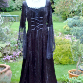 Bespoke Vampire Queen of the damned morticia steam punk  goth witch Medieval  renaissance pagan handfasting wedding gown dress  6 to 12