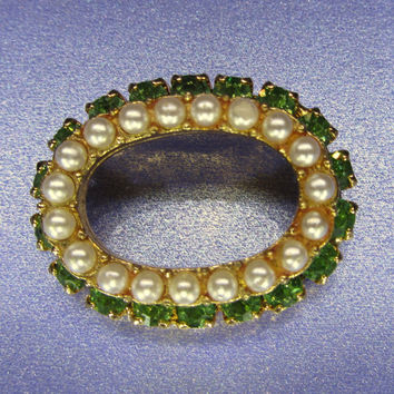 Vintage Jewelry Emerald Green and Pearl Circle by DLSpecialties