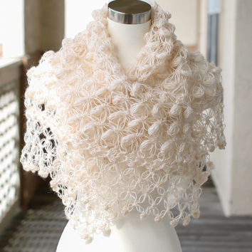 Bridal Shrug // Bridal Bolero // Shawl // Winter accessories // Wedding //Bride accessories // Bridal Bolero / winter wedding / Bridal shawl