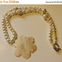 CIJ SALE Classic Mother of Pearl Flower  Necklace V4615