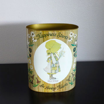 Metal Wastepaper Basket, Holly Hobbie Decor, Happiness Starts in Loving Hearts, Cheinco Trash Can