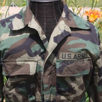 US Army Camo Military Uniform Jacket Men's Size Medium