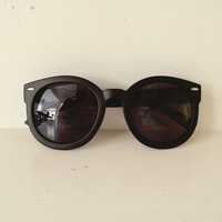 Black Round Sunnies