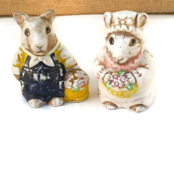 Mouse salt and pepper shakers