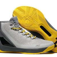 ONETOW VAWA Men's Under Armor Curry 3 Basketball Shoes Grey