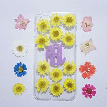 Daisy iphone case,Personalized iPhone 6s plus cover,pressed flower iPhone 5s case,initial iphone 6 plus case,flower iphone case