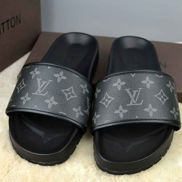 Trendsetter Louis Vuitton  Women Men Fashion Casual Slipper Shoes