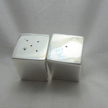 Silver plated salt and pepper shaker Twos company vintage