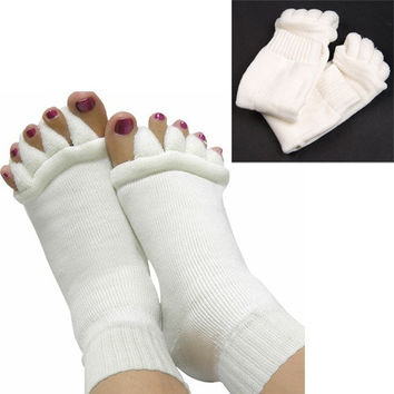 2pcs Unisex Yoga Sports Toe Alignment Massage Care Socks Seperators = 1931821444