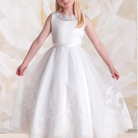 [46.99] Angelic A-Line Gown Sleeveless Flower Girl Dresses with Lace Appliques - dressilyme.com