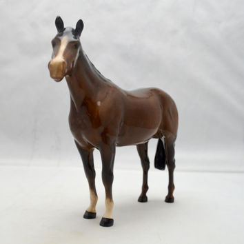 Vintage Beswick England Bay Horse Figurine, Brown Ceramic Horse, Circle Mark on Belly, Glossy Finish