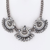 CRYSTAL AND PEARL FLOWER STATEMENT NECKLACE