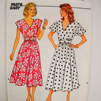 Vintage Dress Pattern, Butterick Pattern #3868, Un Cut, Size 8 10 12, Sewing Notions