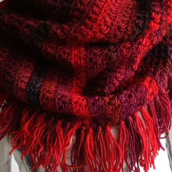 Made to order Crochet scarf/ Infinity crochet scarf/ Infinity scarf/ Red crochet scarf/ Fringe crochet scarf/ Wool scarf/ Women trendy scarf