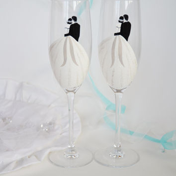 Hand painted Toasting Flutes Set of 2 Personalized Champagne glasses Simple Wedding