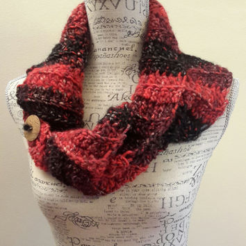 Crochet wool black with red  scarf. Chunky. Katniss inspired cowl. Red button cowl. Button scarf.