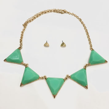 Hailee Triangle Necklace - Mint