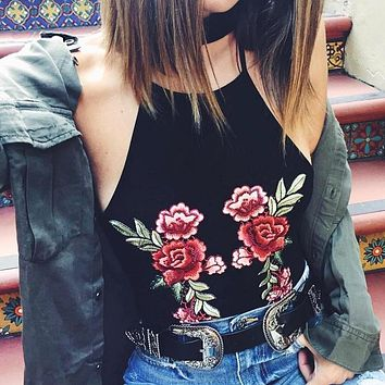 Hot Sale New Lady Sexy Rose Embroidered Halter Halter Halter Tank Top