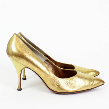gold heels 8.5 | 1950s metallic leather stiletto pointy toe shoes