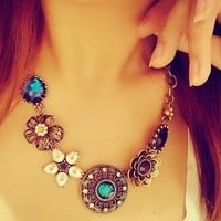 Women Choker Chain Bib Statement Necklace Fashion Jewelry Crystal Flower Pendant