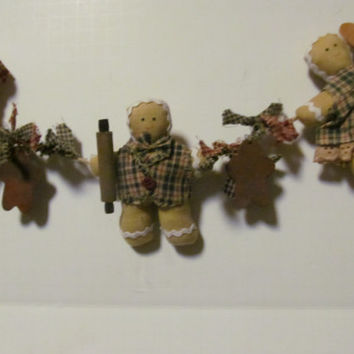 Primitive Gingerbread Man Garland Rusty Stars Rustic Cabin Decor Homespun Fabric Gingerbread Men Decor