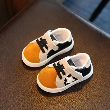2018 New Children Sport Sneakers Fashion Girls Soft Running Leather Shoes Boys Star Leather Shoes Breathable Kids Toddler Shoes