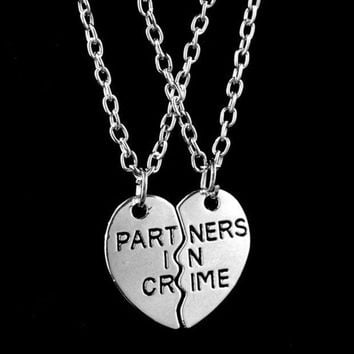 CREYUG3 2015 New Women Fashion Two Peach Hearts Splicing Partners In Crime Necklace Friends Necklace Gift Silver = 1929833604