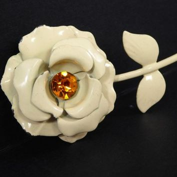 White Flower Power Brooch with Golden Amber Tone Glass Rhinestone Center, Creamy White Rose Floral Pin MId Century 1950s 1960s Flower Pin