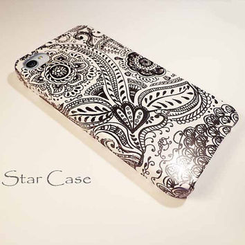 iPhone 4/ 4s and 5 Case - Thai Pattern Black and White iPhone Hard Case- iPhone 4 5 Cover Floral Hard Case -Lace  Fashion Flowers Girly