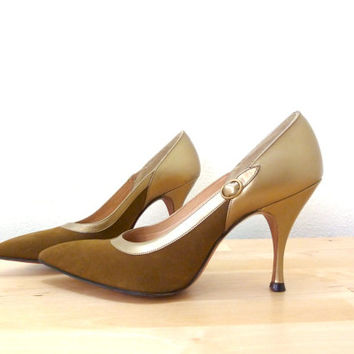Vintage 50s Stilletos / Deliso Debs Shoes / Gold Pumps / Brown High Heels / Pointed Toe Heels / Palter Deliso / Stiletto Heels 6.5