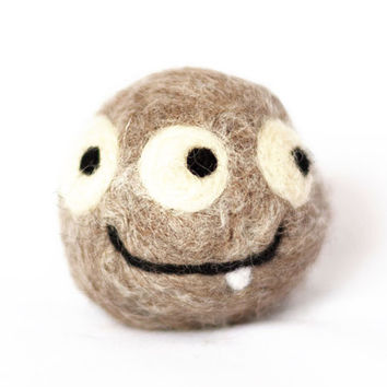 Soap monster for kids. Bath toy and Christmas Gift for children. Homemade felted wool and 100% natural scented soap.