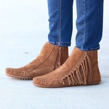 Minnetonka: Willow Fringe Bootie {Dusty Brown}