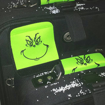 FLASH SaLE! * TWO Luggage Bag TaGs GRINCH LuGGaGe BaG HanDLe IDENTIFiER FuN GRinchMaS SToCking STuffeRS - SPoT Your WHoLidaY TRaVeL LuGGaGe!