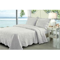 King White 3 Piece Quilt Set with Scallped Borders