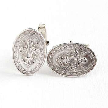 Vintage 800 Silver Fleur-de-Lis Motif Cufflinks - 1940s Men's Oval Dress Shirt Wedding Accessory Repousse Fleur de Lis Jewelry Cuff Links
