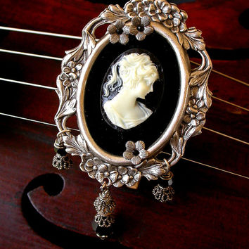 Victorian Cameo Brooch  Pendant Vintage Style Silver Brooch Victorian Necklace Cameo Jewelry Gothic Victorian Jewelry