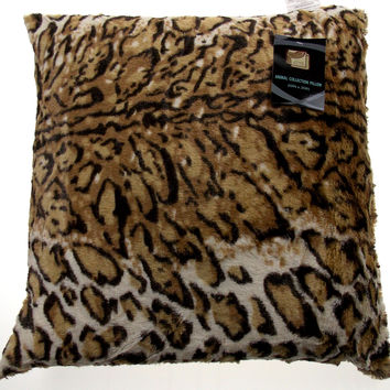 Cheetah Plush Throw Pillow Animal Collection 20x20 Polyester Living Room Sofa