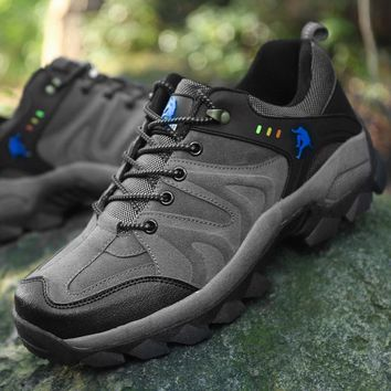New Men Hiking Shoes Boots Camping Climbing Shoes Man Sneakers Breathable Mountain Walking Boots Male Waterproof Shoes