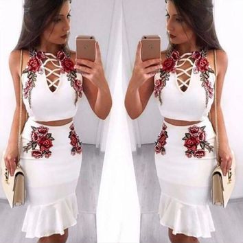 DCCKN6V Sexy Fashion Straps Floral Embroidery Chest Lace Up Type Hollow Falbala two piece Dress