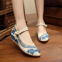 Women Fashion Shoes Chinese Style Flats Rose Embroidery Shoes