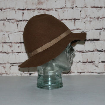 90s Wide brim Floppy Hat Distressed Wool Felt Caramel Brown Beige Ribbon hipster gypsy grunge festival boho Hippie 70s 80s