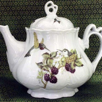 Ashley 5 Cup Hand Decorated Porcelain Teapot - Hummingbird