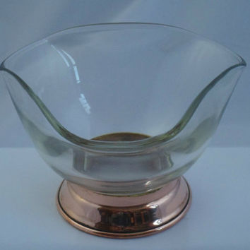 Lovely Glass Tricorn Bowl on a Copper Stand. Unusual and attractive piece for floral display, bob bon dish or trinkets