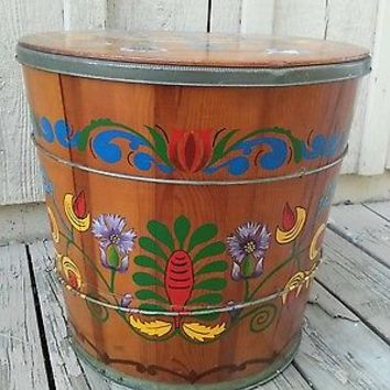 Vintage Wisconsin Butter Tub Co Painted Wooden Butter Tub with Lid